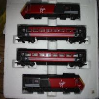 Hornby Virgin Livery 4-car Unit
